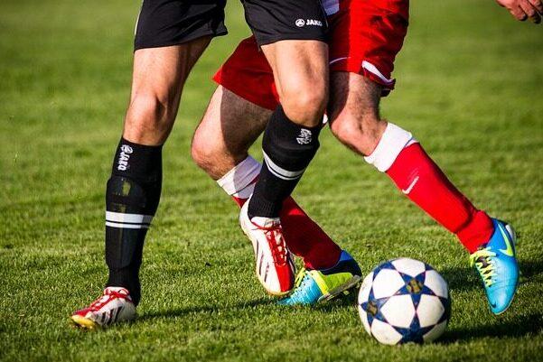 To fodboldfans skulle være fan-værter for DBU på sociale medier som YouTube, Facebook og Instagram til EM i 2020, men har nu trukket sig, efter krænkende opslag på Twitter. Det skriver HovsaDeling.dk. Foto: Phillip Kofler.