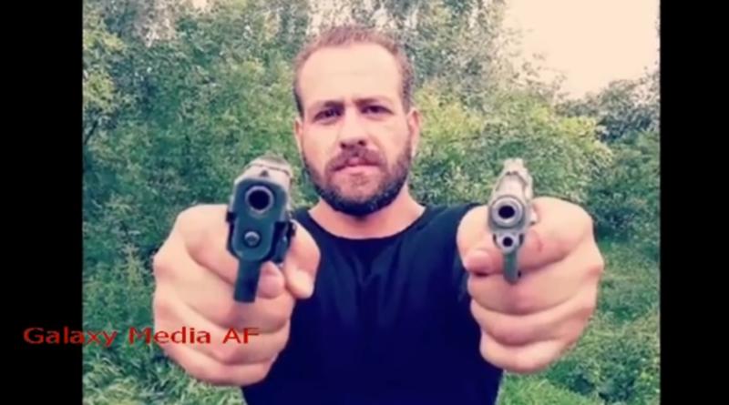 Den formodede præstemorder havde forud for attentatet lagt billeder på Instagram, hvor han poserede med skydevåben. Attentatet fandt sted i Hamedan i Iran. Det skriver HovsaDeling.dk i samarbejde med Globalnyt.dk. Foto: Galaxy Media AF på YouTube.