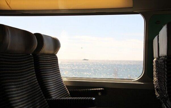 En 20-årig mand er dømt for at dele billeder og video af døde passagerer i forbindelse med togulykke på Storebælt den 2. januar 2019. Det skriver HovsaDeling.dk. Foto: Pixabay.