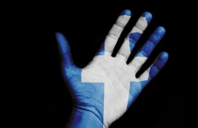 Politiet advarer om, at det kan koste fængsel eller bøde at dele en voldsvideo, som florerer på sociale medier. Videoen viser et voldeligt overfald på en ung mand på et toilet, og det er ifølge politiet den formodede voldsmand, der har filmet sit offer og lagt videoen på Facebook. Det skriver Hovsadeling.dk. Foto: Pete Linforth/Pixabay.